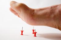 Почему ноги сводит судорогой причины и лечение