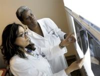 Шишка в груди у женщин причины развития уплотнения и его лечение