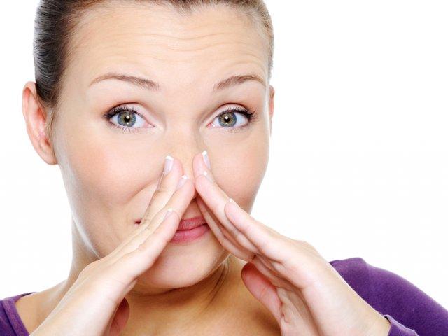 Естественные выделения у женщин. Какие выделения из влагалища считаются нормальными: цвет, запах и консистенция. Выделения перед месячными и после