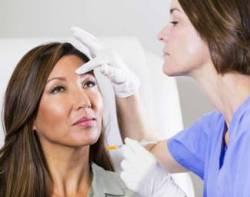 Красное лицо у женщины: причины, что делать при покраснении кожи